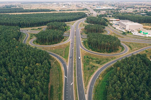 drones autopistas y carreteras